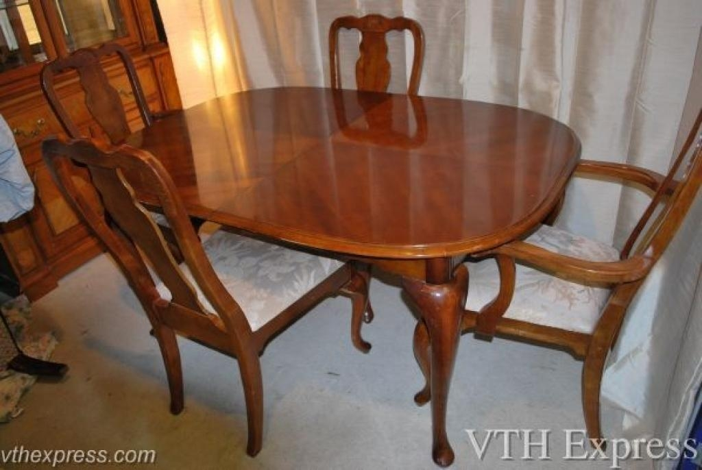 Amazing Second Hand Oak Dining Table And Chairs 20 For Best Dining With Most Current Second Hand Oak Dining Chairs (Image 1 of 20)