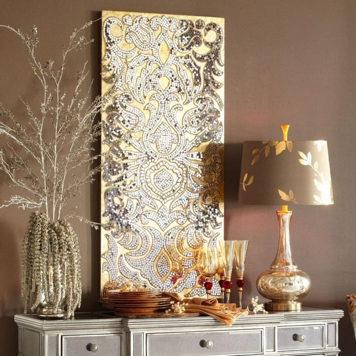 25 Wall Decoration Ideas For Your Home: 20 Photos Mirrors Decoration On The Wall