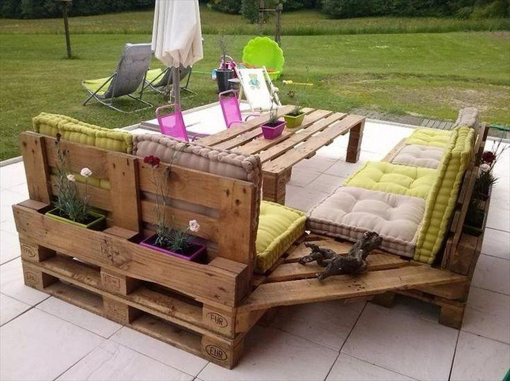 Best 25+ Pallet Sofa Ideas On Pinterest | Pallet Furniture, Pallet Inside Pallet Sofas (View 9 of 20)