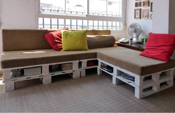 Crazy Affordable: Diy Shipping Pallet Couch – Design & Trend For Pallet Sofas (Image 6 of 20)
