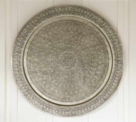 Featured Image of Decorative Metal Disc Wall Art