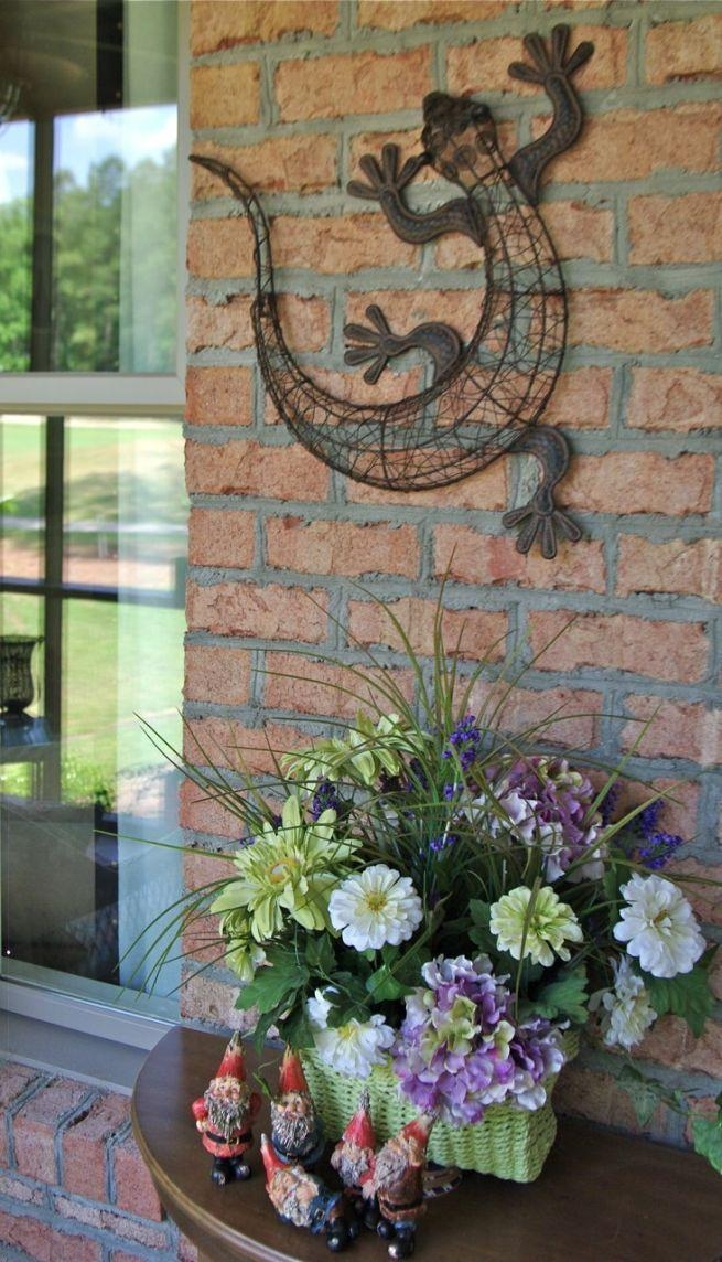 Gecko Wall Art Beautifies Your Decoration : Outdoor Garden Wall Pertaining To Gecko Outdoor Wall Art (View 3 of 20)