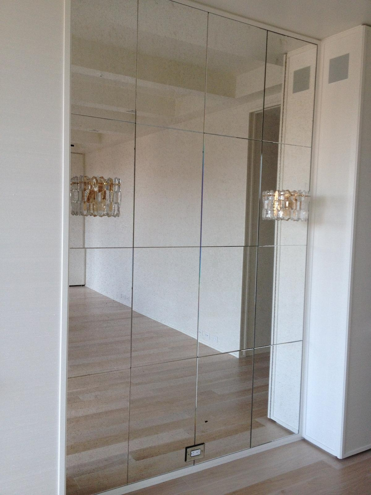 Install Wall Mirrors Without Damaging Your Apartment Walls Within Walls Mirrors (View 2 of 20)