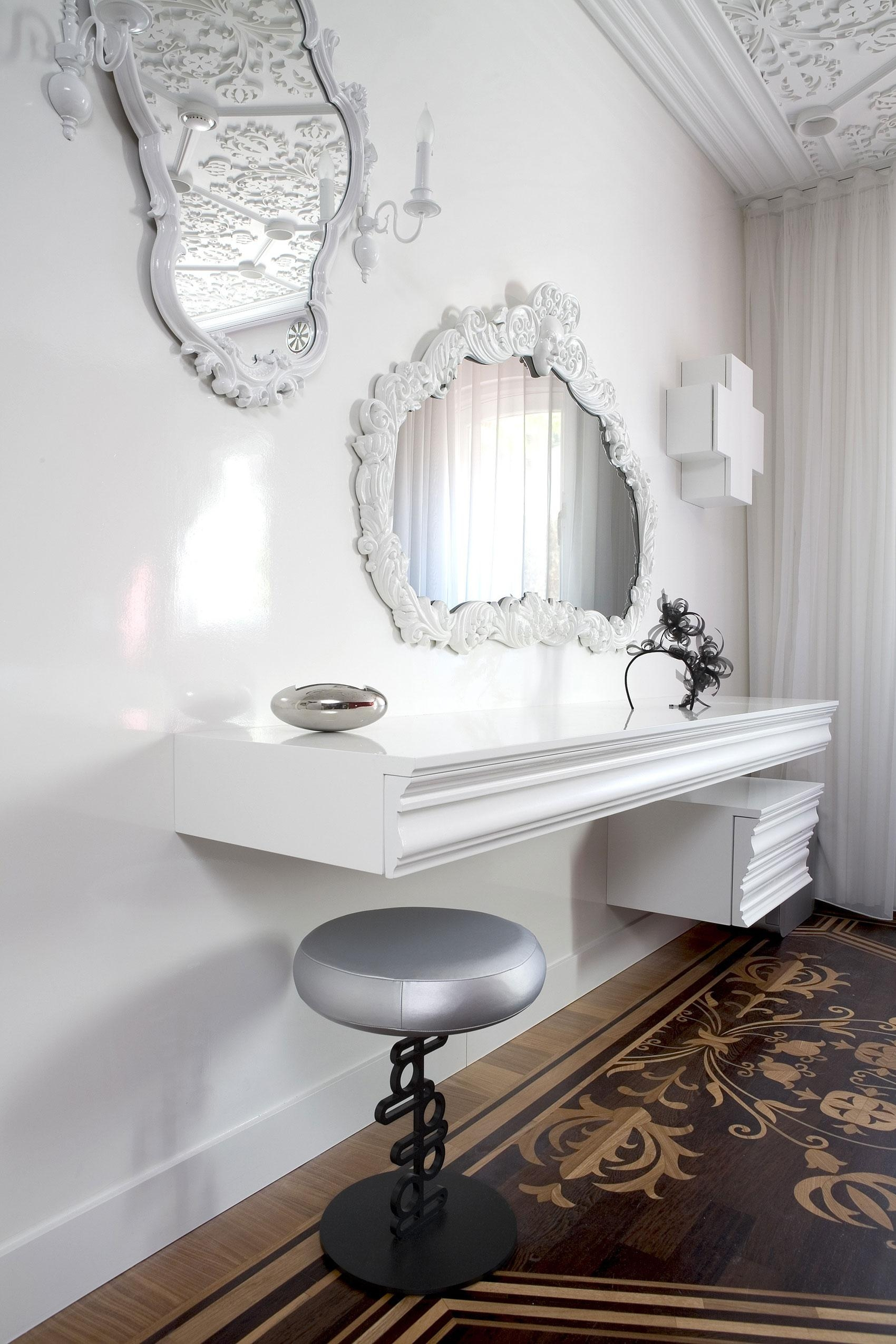 Interesting Wall Mounted Mirrors Bedroom With Furniture Appealing In Wall Mounted Mirrors For Bedroom (Image 10 of 20)