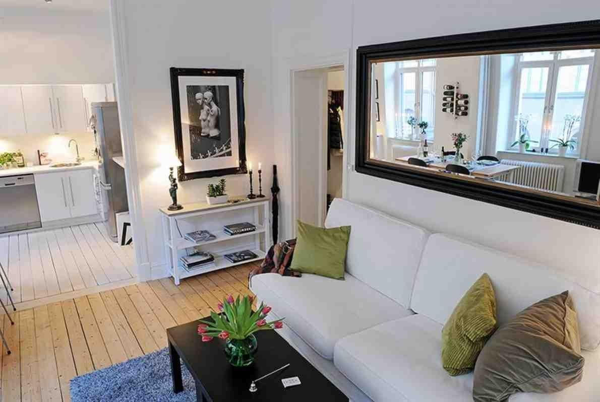Large Wall Mirrors For Living Room Large Wall Mirrors For Living Throughout Mirrors For Living Rooms (View 13 of 20)