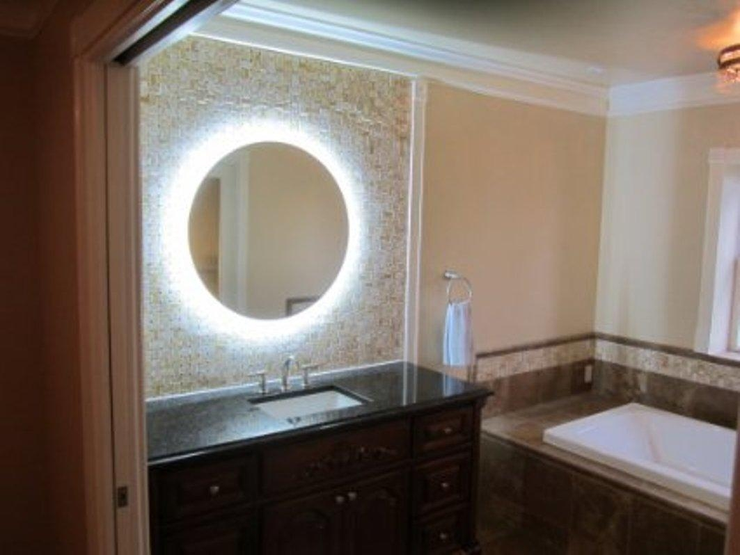 Lighted Vanity Wall Mirror Reviews Pertaining To Lighted Vanity Wall Mirrors (Image 14 of 20)