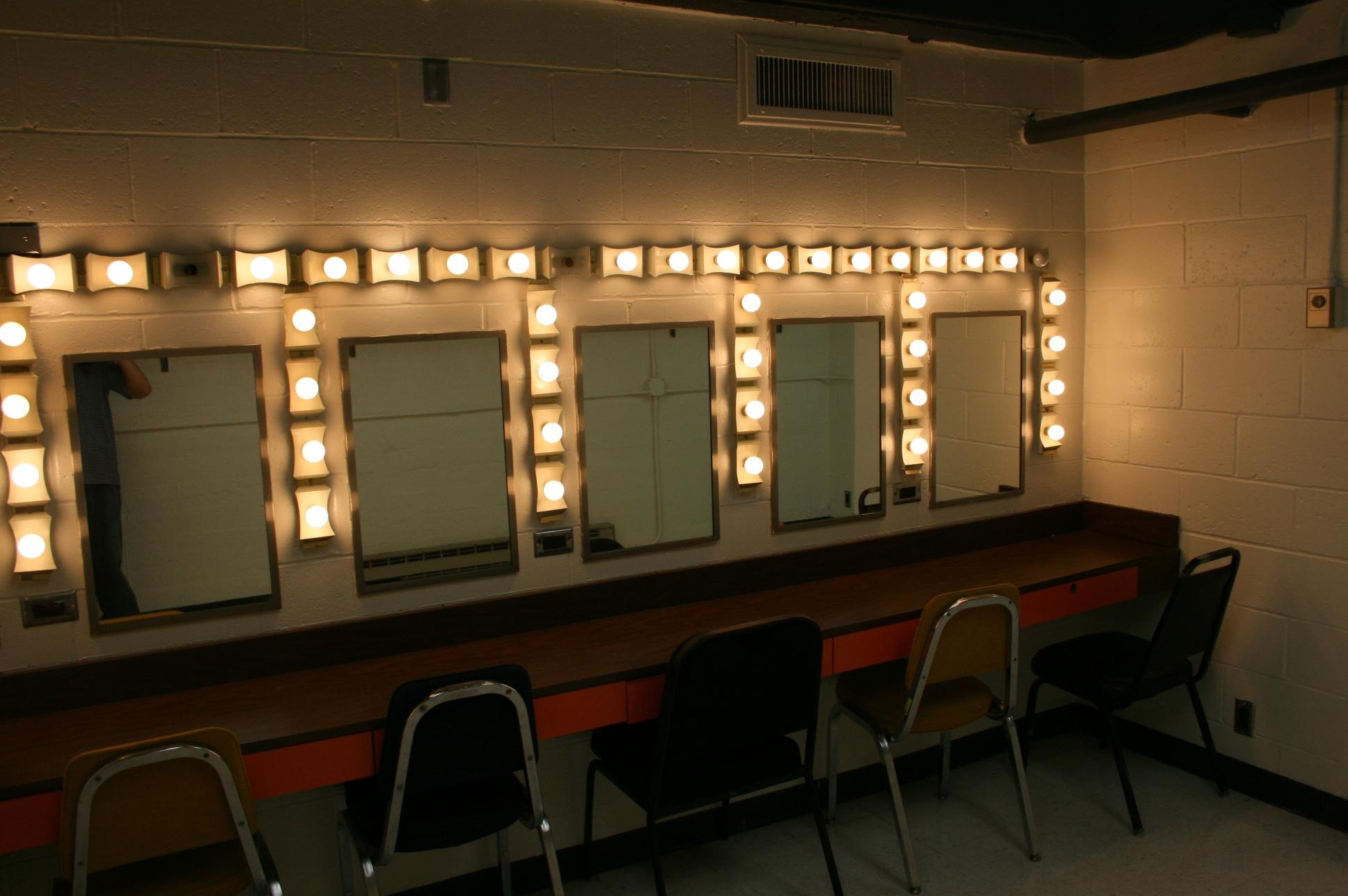 Mirror With Lights For Dressing Room | Affordable Ambience Decor For Mirrors For Dressing Rooms (View 16 of 20)