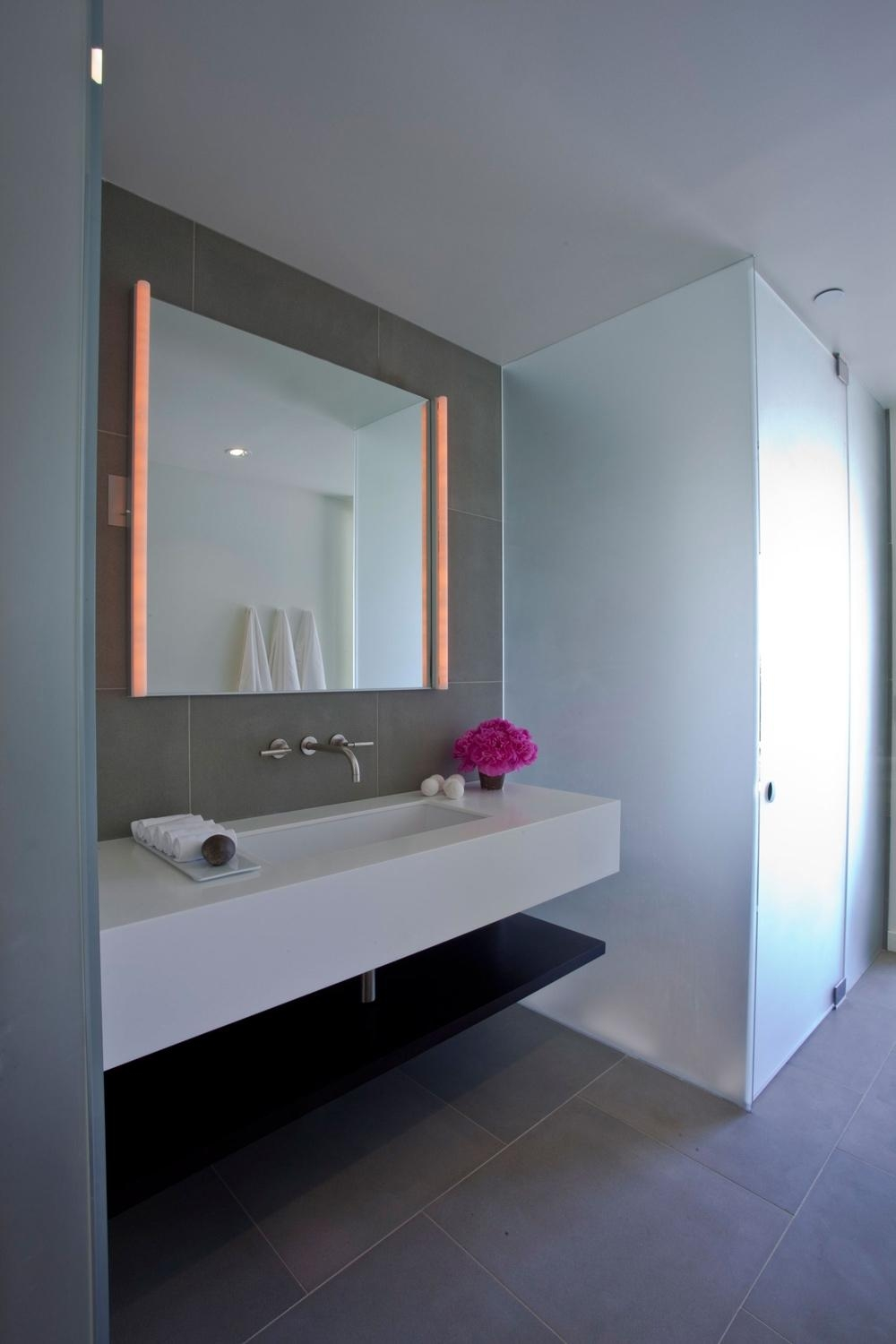 Modern Bathroom Mirrors And Lights | Bathroom Decor Ideas With Modern Bath Mirrors (Image 19 of 20)