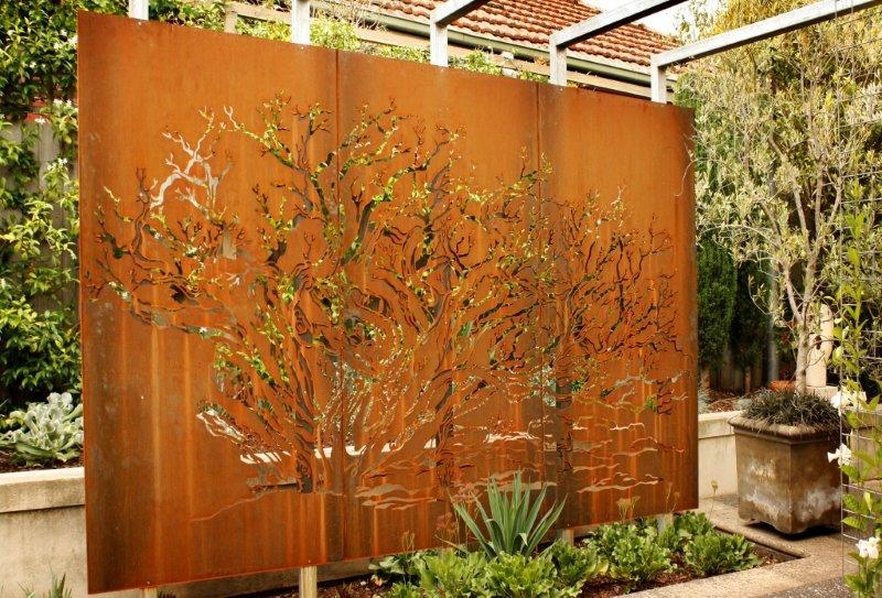 Outdoor Metal Wall Art (Image 17 of 20)