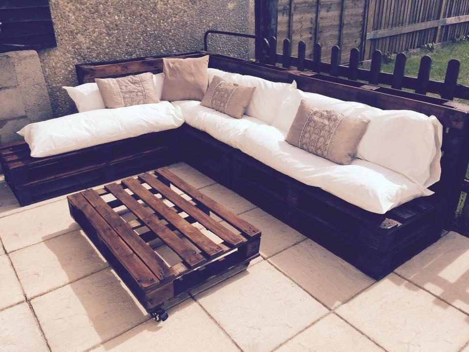 Outdoor Pallet Sectional Sofa Regarding Pallet Sofas (View 15 of 20)