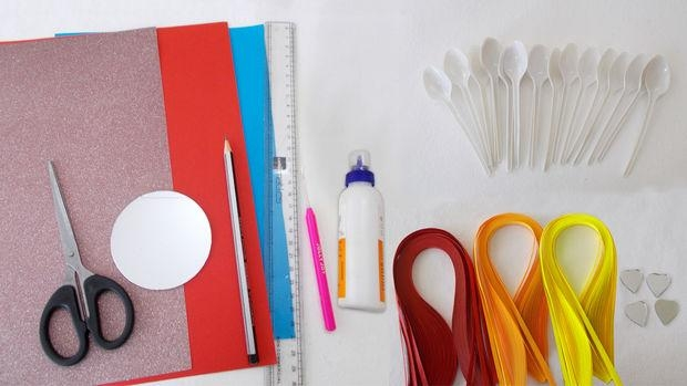 Recycled Diy Projects:how To Make Diy Plastic Spoons & Mirror Wall Throughout Plastic Spoon Wall Art (Image 17 of 20)