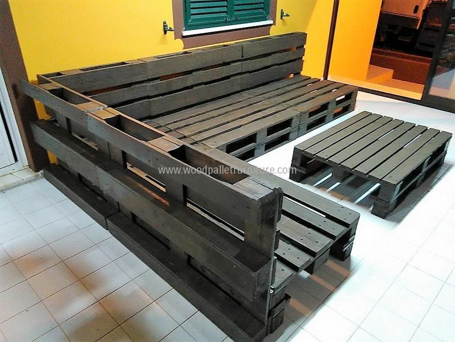Repurposed Wooden Pallet Sofa Plan | Wood Pallet Furniture With Regard To Pallet Sofas (Image 13 of 20)