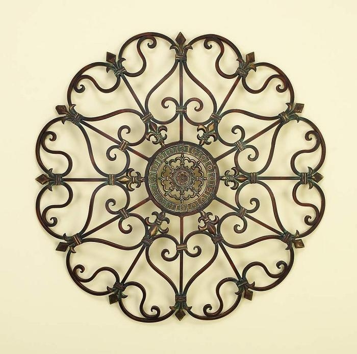 Featured Image of Metal Medallion Wall Art