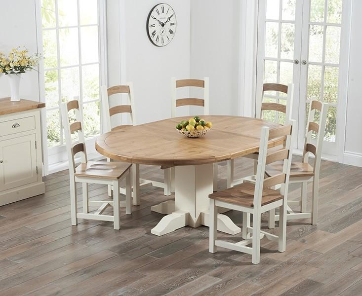 Round Oak Extendable Dining Table And Chairs #5799 For Newest Round Extendable Dining Tables And Chairs (Image 18 of 20)