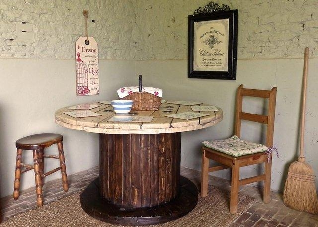 Rustic Wood Dining Tables Used – Second Hand Household Furniture In 2018 Second Hand Oak Dining Chairs (Image 11 of 20)