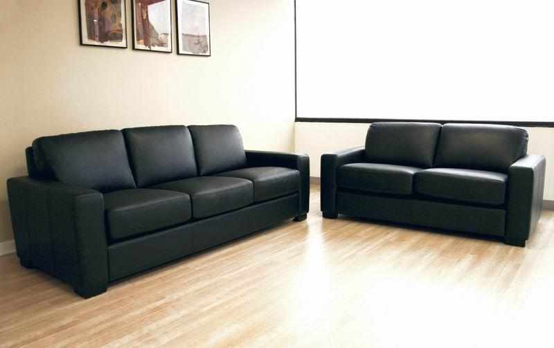 Simple Leather Sofa Set – Plushemisphere Pertaining To Simple Sofas (View 11 of 20)