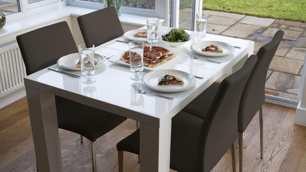 White High Gloss Extending Dining Table And Chairs Uk In Latest Extending Gloss Dining Tables (Image 19 of 20)