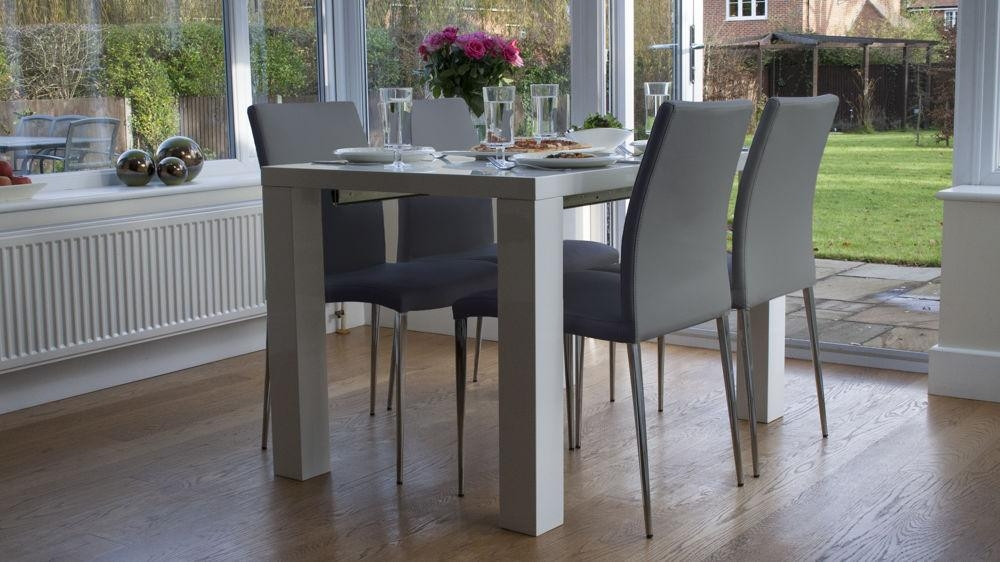 White High Gloss Extending Dining Table And Chairs Uk Pertaining To High Gloss Dining Sets (View 20 of 20)