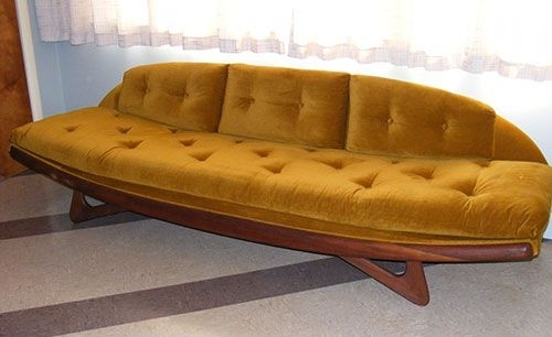 16 Awesome Vintage Sofas From Readers' Houses | Mid Century, Retro For Cheap Retro Sofas (Image 1 of 10)