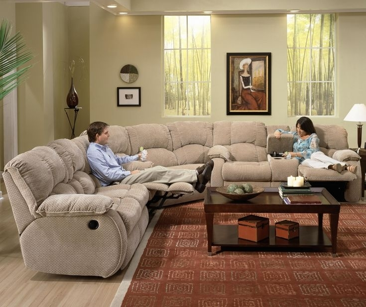 Featured Image of Gardiners Sectional Sofas