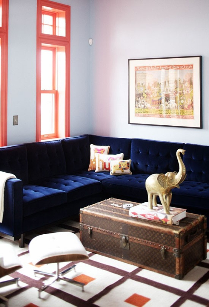 21 Different Style To Decorate Home With Blue Velvet Sofa Intended For Dark Blue Sofas (Image 1 of 10)