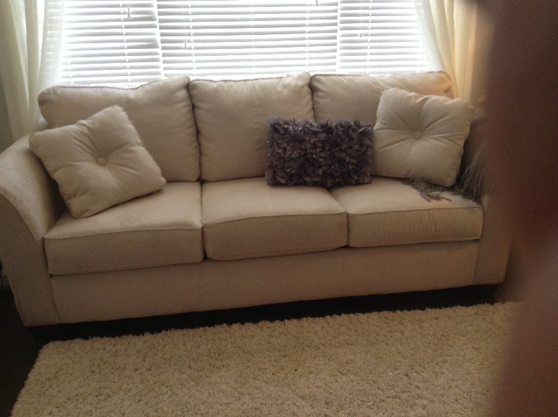 Beige Sofa | Couches & Futons | London | Kijiji For Kijiji London Sectional Sofas (Image 1 of 10)