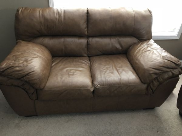 Brown Leather 3 Seat Sofa W/ Love Seat (Furniture) In Clarksville For Clarksville Tn Sectional Sofas (View 9 of 10)