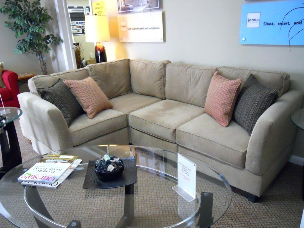 Featured Image of Canada Sectional Sofas For Small Spaces
