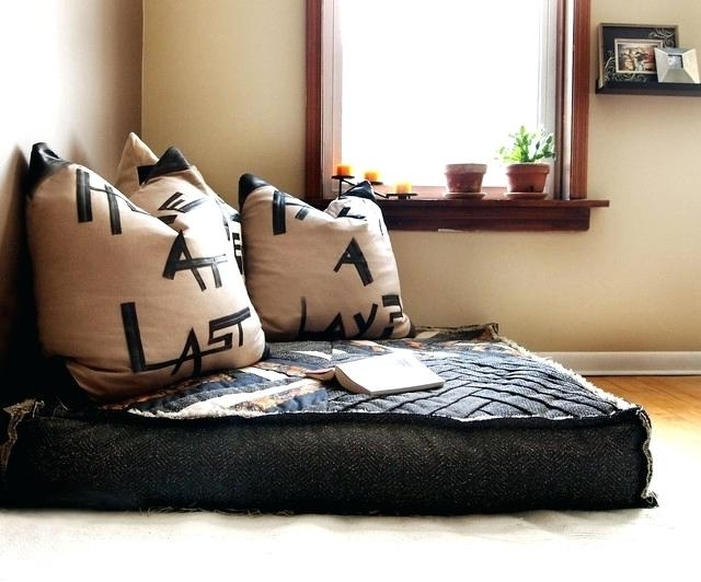 Cool Oversized Pillows For Couch Oversized Decorative Couch Pillows Throughout Sofas With Oversized Pillows (Image 2 of 10)