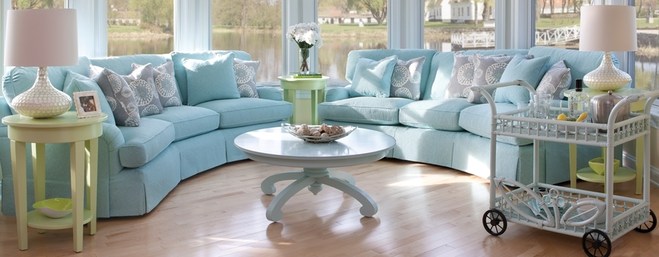 Cottage Style Living Room With Sofa Design Entrestl Decors Regard To With Sofas And Loveseats (Image 2 of 10)