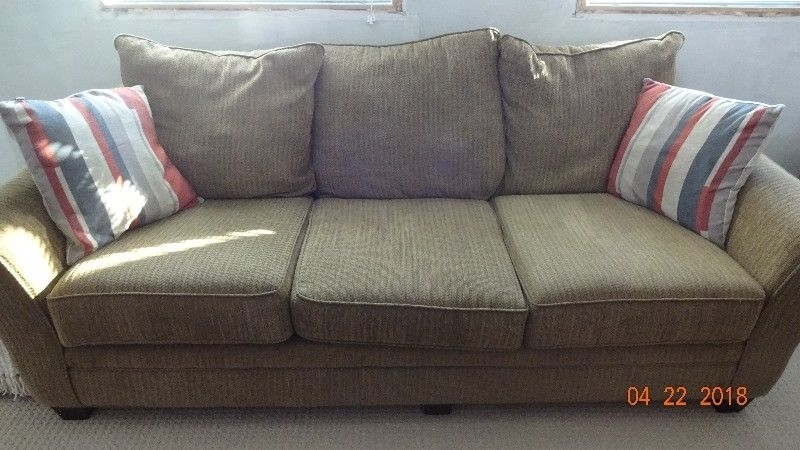 Couch And Love Seat | Couches & Futons | Kitchener / Waterloo | Kijiji In Kijiji Kitchener Sectional Sofas (Image 4 of 10)