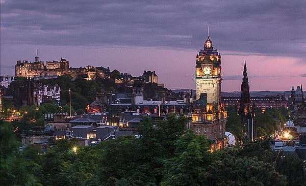Edinburgh Night Canvas Printsteven Mccaig With Regard To Edinburgh Canvas Prints Wall Art (Image 13 of 20)