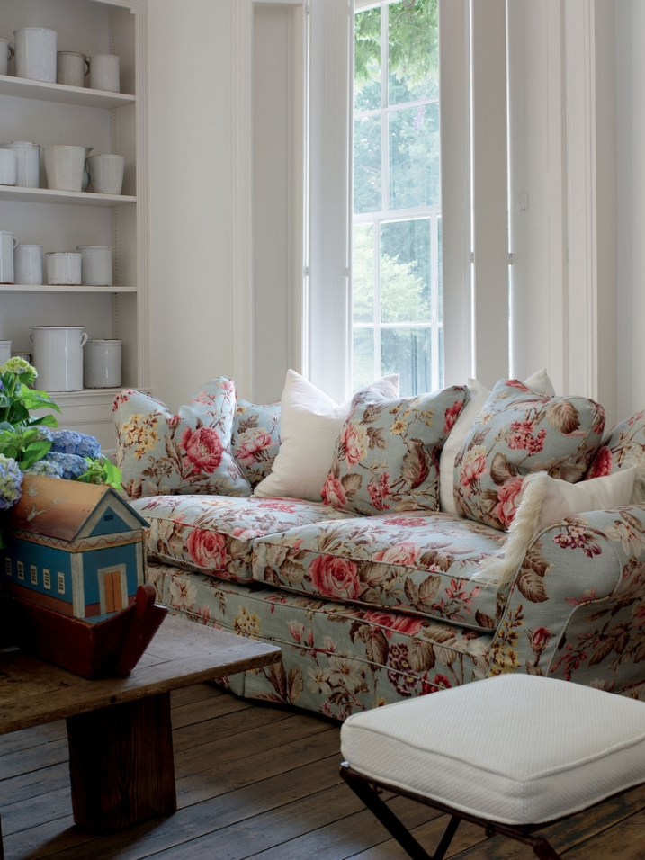 English Country, English Cottage, Ironstone, Floral Sofa, Floral Intended For Chintz Fabric Sofas (Image 6 of 10)