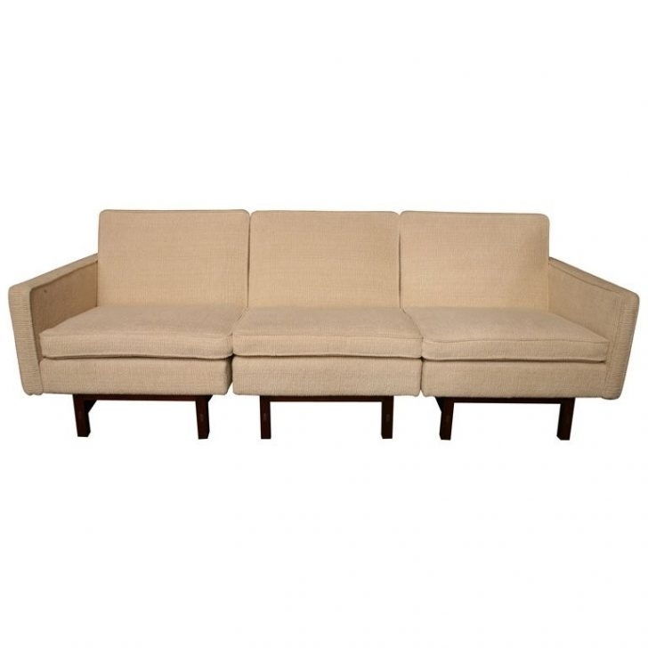 Fresh Sleek Sectional Sofa – Buildsimplehome Pertaining To Sleek Sectional Sofas (Photo 10 of 10)