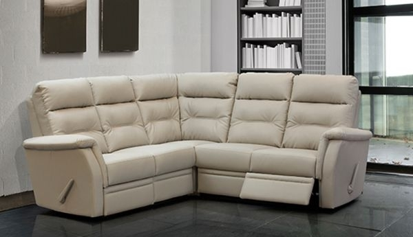 Jordan Cast & Wicker | Milano Reclining Sectional Throughout Oakville Sectional Sofas (View 9 of 10)