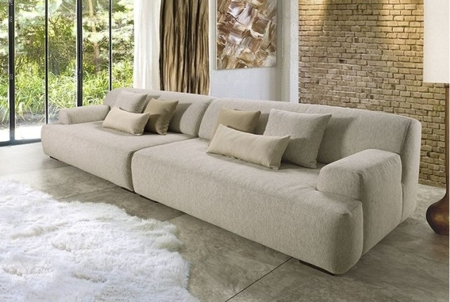 Large Sofas For Comfort Of Guests – Designinyou/decor Inside Large Sofa Chairs (Photo 7 of 10)