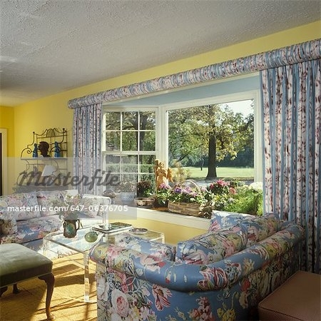 Living Room – Traditional Living Room – Floral Chintz Upholstered For Yellow Chintz Sofas (Image 8 of 10)