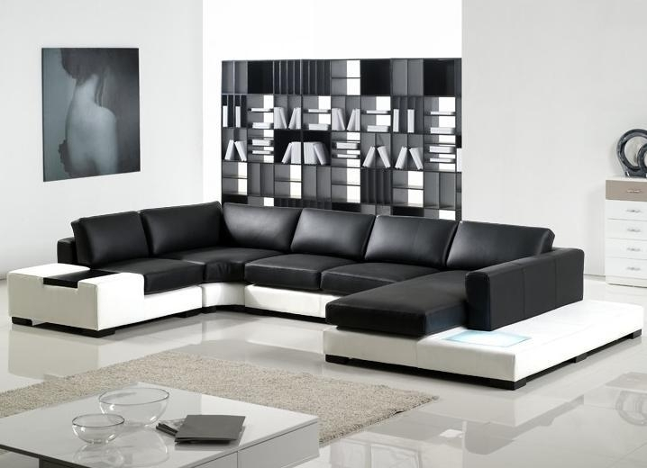Modern Sectional Sofas And Corner Couches In Toronto, Mississauga Intended For Sectional Sofas In Toronto (Image 7 of 10)