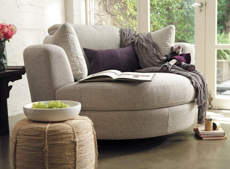 Round Swivel Sofa Chair   Bonners Furniture Throughout Comfortable Sofas And Chairs (Image 7 of 10)