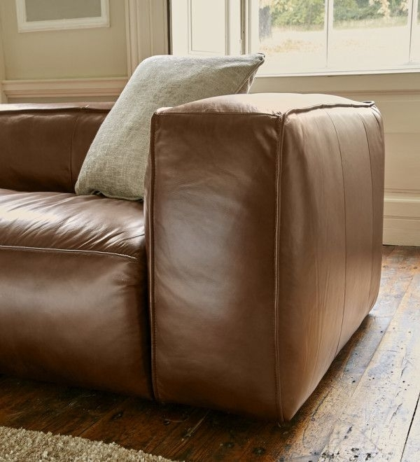Featured Image of Stratford Sofas