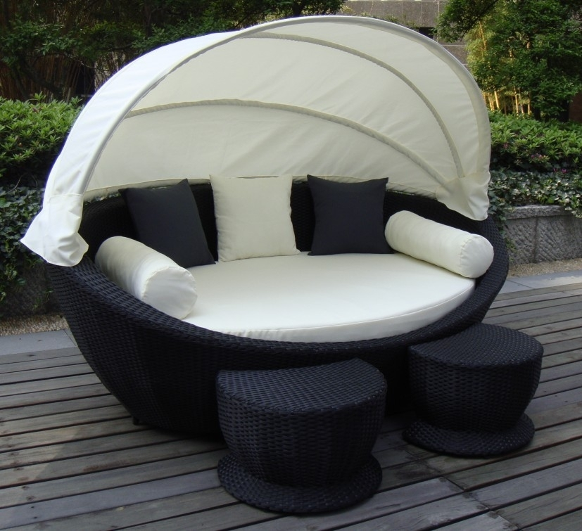 Super Cozy Outdoor Sofa With Canopy #wicker #outdoor #canopy | For In Outdoor Sofas With Canopy (Image 10 of 10)