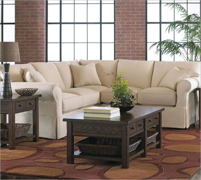 Featured Image of Narrow Spaces Sectional Sofas