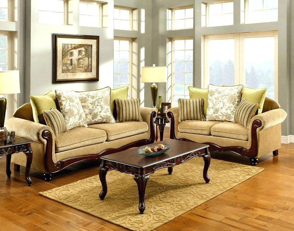 Traditional Sofas – Yuinoukin In Traditional Sofas And Chairs (Image 9 of 10)