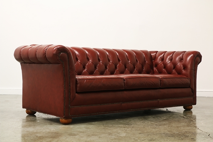 Vintage Tufted Leather Chesterfield Sofa | Vintage Supply Store With Tufted Leather Chesterfield Sofas (Image 10 of 10)
