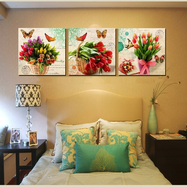 Featured Image of Floral Canvas Wall Art