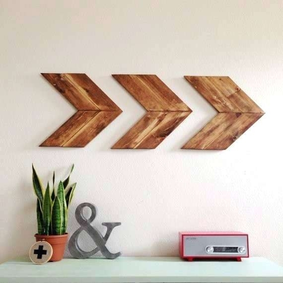 Wood Arrow Wall Art – Indicatifs Pertaining To Arrow Wall Art (Image 10 of 10)
