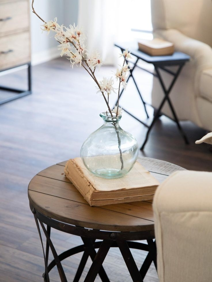 10 Inexpensive Ways To Decorate And Get The Fixer Upper Farmhouse Regarding Large Scale Chinese Farmhouse Coffee Tables (Image 1 of 40)