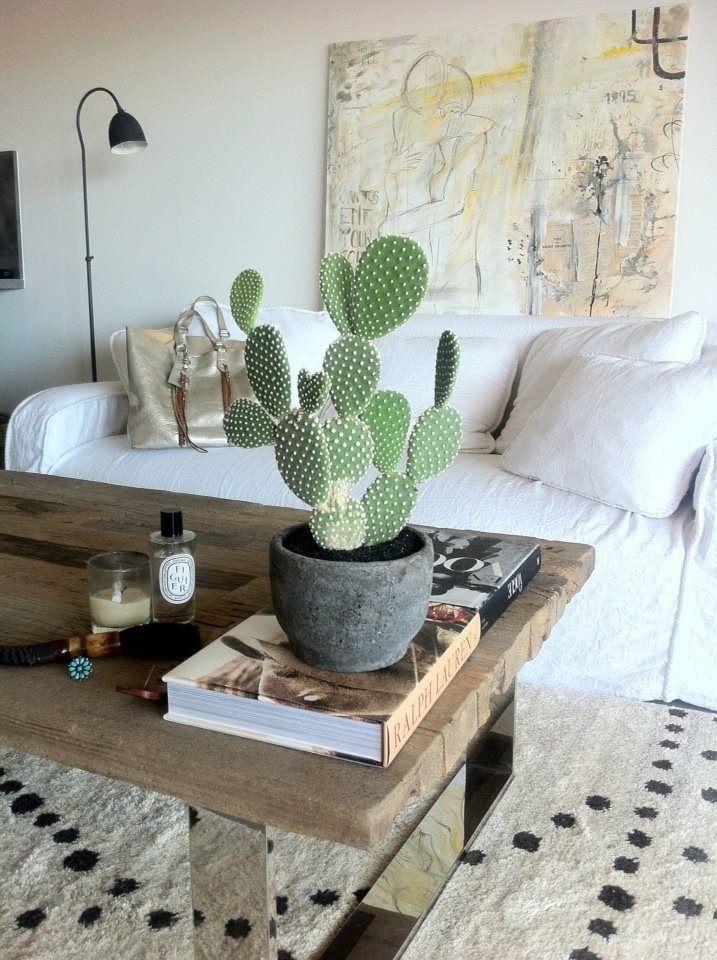 30 Ideas Para Decorar Con Cactus Y Terrarios | Flowers & Plants Inside Cacti Brass Coffee Tables (Photo 29 of 40)