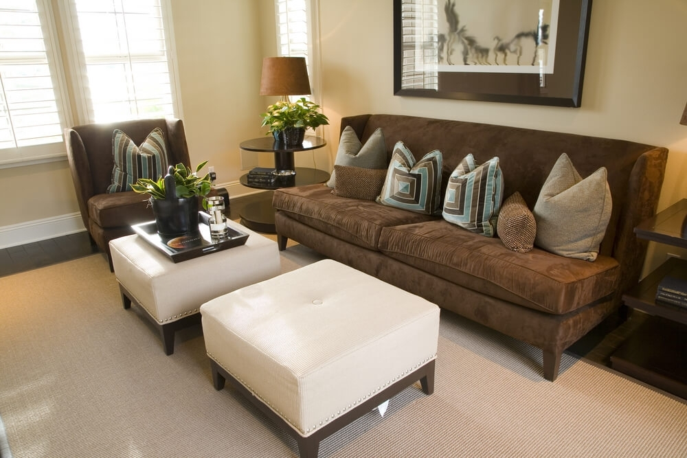 50 Beautiful Living Rooms With Ottoman Coffee Tables Regarding Button Tufted Coffee Tables (View 23 of 40)