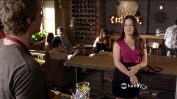 Holly Marie Combs Cocktail Dress – Holly Marie Combs Looks – Stylebistro For Combs Cocktail Tables (Image 21 of 40)